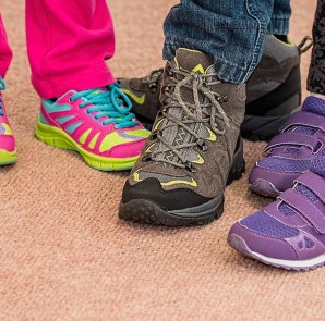 childrens-shoes-700069_1280